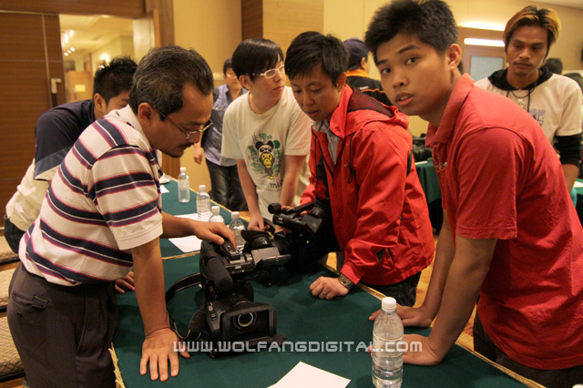 Helping participants customize their camcroders and giving more videography tips and tricks