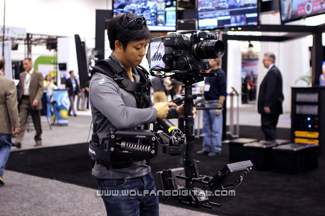 Feels like I'm carrying a boulder! The Fawcett Exovest bears the Steadicam G-50X arm which carries an Aaton film camera.