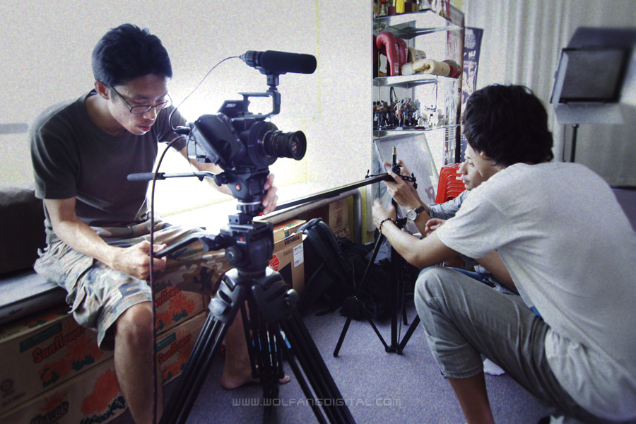 Our cameraman, Ma Chiau Ran and team set up the FS700 onto a slider for tracking shots.