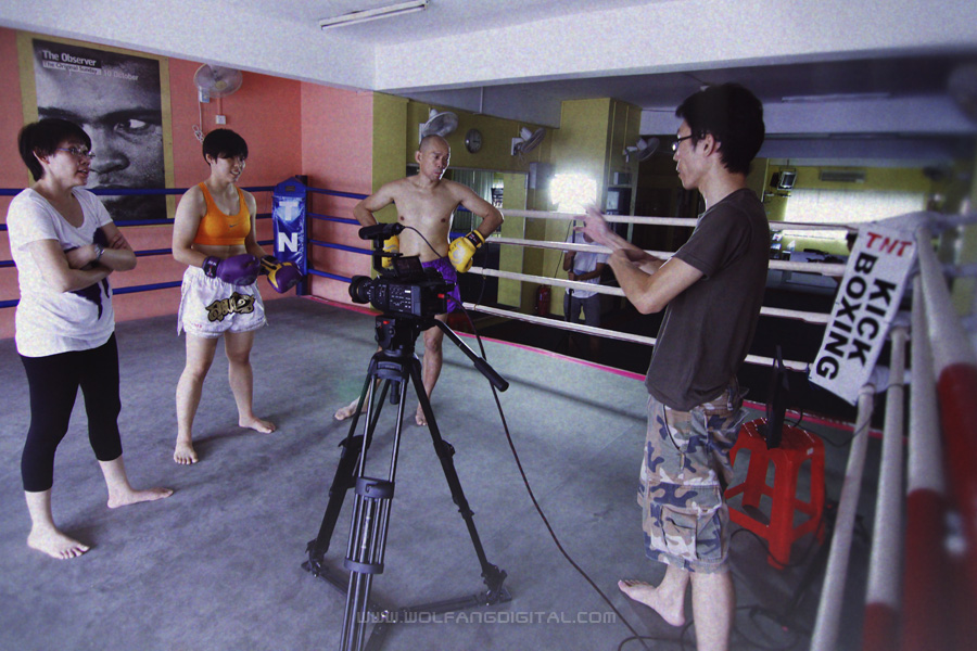 Pureen and Chiau Ran discuss to streamline the fight scenes with Master Khoo and Ella Tang.