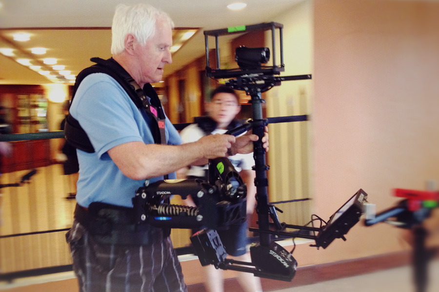 Garrett Brown (inventor of Steadicam), the man who started it all, shows us how it's done.