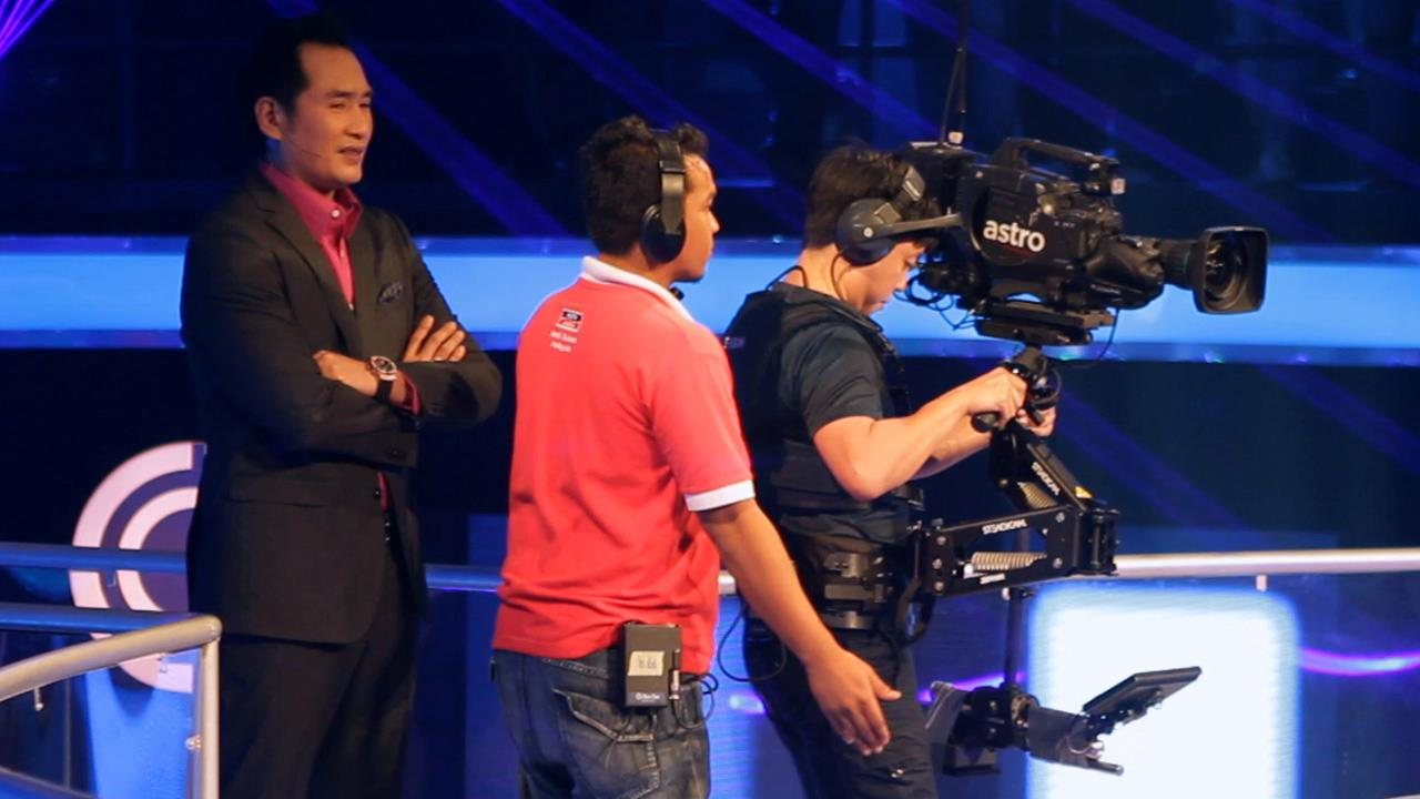 Baron Abas (Steadicam Operator) on the set of the game show RM 1 Juta Money Drop