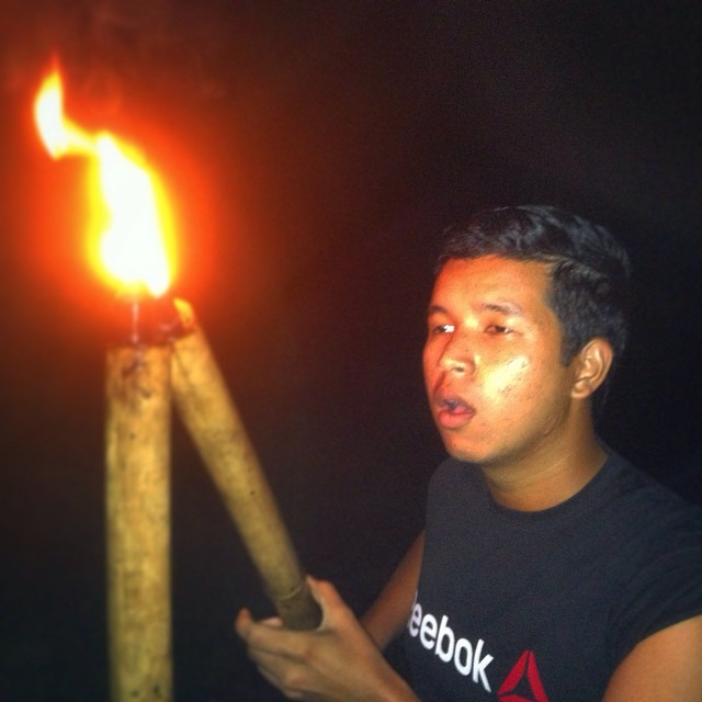 Lighting up the torches for tonight's campfire in #kampungquest by @ariffuuu #adventure #realityshow #filmlife #filmmaking #onlocation #camping #campfire