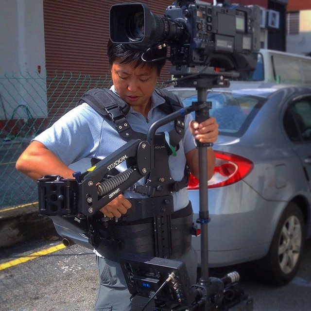 Dialing in the Steadicam arm & vest settings #filmmaking #filmlife #cinematography #steadicam #zephyr