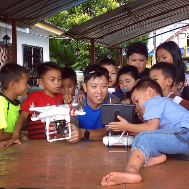 Airline pilots get the girls, drone pilots get the attention of these adorable #Borneo kids from a traditional longhouse #dronelife #drone #aerialcinematography #quadcopter #dronegear