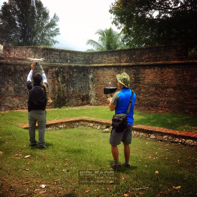 Aerial filming begins for Dutch reality show 'Peking Express' first location is at an old fort in #georgetown #penang #malaysia #aerialfilming #aerialphotographymalaysia #filmmaking #dronelife #dronevideo